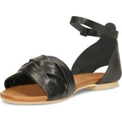 Sandały SANIKA. Czarne sandały damskie marki Gino Rossi, w paski, ze skóry, na płaskiej podeszwie. Za 199,90 zł.