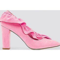 Czółenka: NA-KD Shoes Czółenka na średnim obcasie z falbanką – Pink