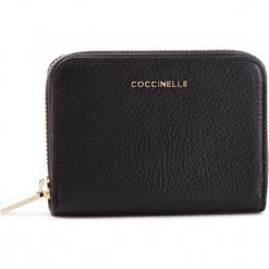 Duży Portfel Damski COCCINELLE - DW5 Metallic Soft E2 DW5 11 02 01 Noir 001. Czarne portfele damskie Coccinelle, ze skóry. Za 449,90 zł.