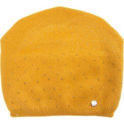 Musztardowa czapka z dżetami QUIOSQUE. Czarne czapki zimowe damskie QUIOSQUE, z wełny. Za 79,99 zł.