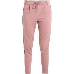 Spodnie dresowe damskie: Noisy May NMPOWER ALINA PANTS  Spodnie treningowe woodrose/black /cloud dancer