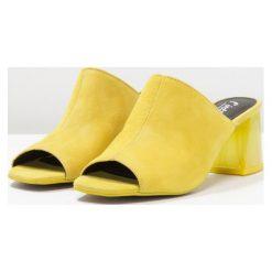 L'INTERVALLE DANICA Klapki yellow. Żółte chodaki damskie L'INTERVALLE, z materiału. Za 419,00 zł.