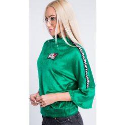 Bluzy damskie: Bluza z pluszu z lampasami zielona 6562