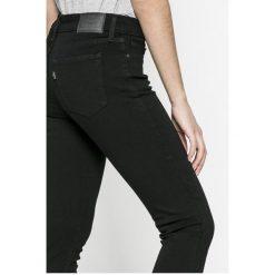 Levi's - Jeansy 711. Brązowe jeansy damskie marki Levi's®, z bawełny. Za 299,90 zł.