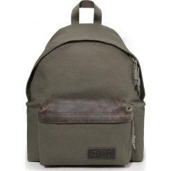 """Plecak """"Padded Pak'r"""" w kolorze khaki - 30 x 40 x 18 cm. Brązowe plecaki męskie Eastpak, w paski, z materiału. W wyprzedaży za 282,95 zł."""