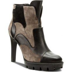 Botki CARINII - S3738 E50-H92-063-A14. Brązowe buty zimowe damskie Carinii, ze skóry, na obcasie. W wyprzedaży za 209,00 zł.