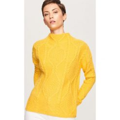 Sweter z niskim golfem - Żółty. Białe golfy damskie marki Reserved, l, z dzianiny. Za 99,99 zł.