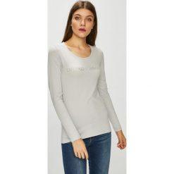 Emporio Armani - Bluzka. Szare bluzki z odkrytymi ramionami marki Emporio Armani, m, z bawełny, casualowe, z okrągłym kołnierzem. Za 239,90 zł.