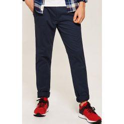 Chinosy męskie: Spodnie typu CHINO - Granatowy