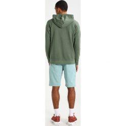 Samsøe & Samsøe TASH Bluza z kapturem thyme. Brązowe bluzy męskie rozpinane Samsøe & Samsøe, m, z bawełny, z kapturem. W wyprzedaży za 399,20 zł.