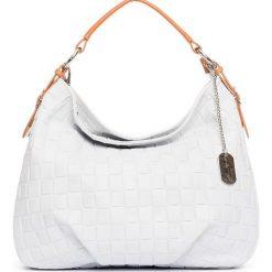 Torebki klasyczne damskie: Skórzana torebka w kolorze kremowym – 34 x 30 x 11 cm