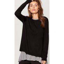 Sweter z bluzką - Czarny. Czarne swetry klasyczne damskie marki Mohito, m. W wyprzedaży za 79,99 zł.
