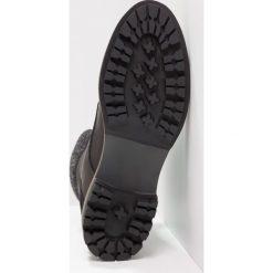 Tamaris Botki sznurowane black. Czarne buty zimowe damskie marki Tamaris, z materiału, na sznurówki. W wyprzedaży za 237,30 zł.