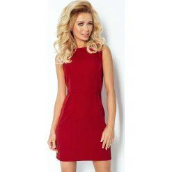 Sukienki: Bordowa Sukienka Klasyczna Dopasowana z Zakładkami