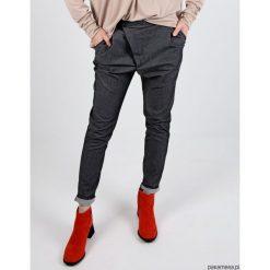 MIA PANTS Spodnie damskie jeans szary. Niebieskie jeansy damskie marki Pakamera, z bawełny. Za 129,00 zł.