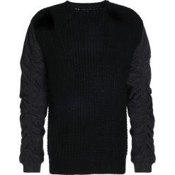 Swetry klasyczne męskie: Religion PILOT Sweter black