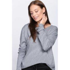 Szary Sweter Come Into My Life. Szare swetry klasyczne damskie Born2be, l, z dzianiny. Za 39,99 zł.