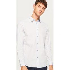Koszula slim fit z bawełny strukturalnej - Biały. Czarne koszule męskie slim marki Reserved. Za 99,99 zł.