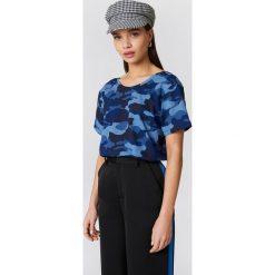 NA-KD T-shirt moro z dekoltem na plecach - Blue. Niebieskie t-shirty damskie NA-KD, moro, z bawełny, z dekoltem na plecach. W wyprzedaży za 40,48 zł.