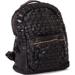 Plecaki damskie: Skórzany plecak w kolorze czarnym – 26 x 33 x 13 cm