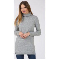 Swetry klasyczne damskie: Dłuższy sweter z półgolfem
