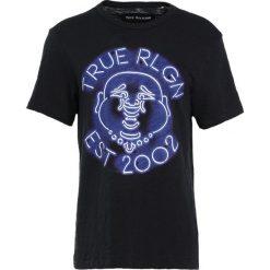 True Religion BUDDA  Tshirt z nadrukiem black. Czarne t-shirty męskie z nadrukiem True Religion, m, z bawełny. Za 379,00 zł.