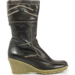 Gioco di Squadra SKÓRZANE Kozaki KOTURN. Czarne buty zimowe damskie marki Born2be, z materiału, z okrągłym noskiem, na niskim obcasie, na koturnie. Za 209,00 zł.