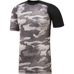 KOSZULKA ADIDAS ACTVCHL COMP TEE -  BLACK. Czarne koszulki do fitnessu męskie Reebok, m, moro, z materiału. Za 110,99 zł.