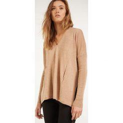 Sweter w kolorze beżowym. Brązowe swetry klasyczne damskie Rodier, z dzianiny. W wyprzedaży za 127,95 zł.