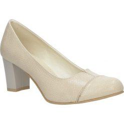 Beżowe czółenka skórzane na obcasie Casu 308. Czerwone buty ślubne damskie marki Casu, na słupku. Za 179,99 zł.