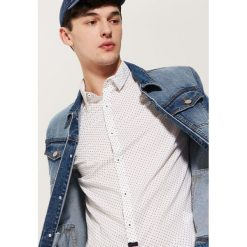 Koszula w mikrowzór - Biały. Szare koszule męskie marki House, l, z bawełny. Za 79,99 zł.