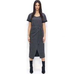Grafitowa Długa Sukienka z Kopertowym Dołem. Czarne długie sukienki marki bonprix, do pracy, w paski, biznesowe, moda ciążowa. Za 112,90 zł.