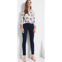 Jeansy straight. Niebieskie jeansy damskie marki Orsay. Za 99,99 zł.