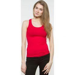 Bluzka basic bokserka czerwona. Czerwone bluzki z odkrytymi ramionami Yups, l, z bawełny, młodzieżowe. Za 29,99 zł.