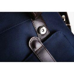 Stylowa torba męska na ramię granatowa. Niebieskie torby na ramię męskie marki Brødrene, ze skóry. Za 350,00 zł.
