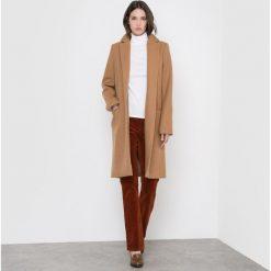 Płaszcze damskie pastelowe: Długi płaszcz z kołnierzem wykładanym 60% wełny