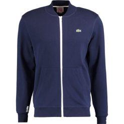 Lacoste LIVE Bluza rozpinana marine. Białe bluzy męskie rozpinane marki Lacoste LIVE, m, z bawełny. Za 439,00 zł.