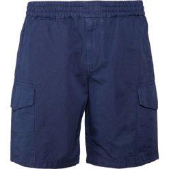 PS by Paul Smith MILITARY  Szorty dark blue. Niebieskie szorty męskie PS by Paul Smith, z bawełny. W wyprzedaży za 343,60 zł.