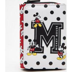 Portfel Minnie Mouse - Czerwony. Czerwone portfele damskie marki Cropp, z motywem z bajki. Za 44,99 zł.