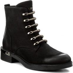 Botki CARINII - B4131/CZ 360-000-POL-B57. Czarne buty zimowe damskie marki Carinii, z nubiku, na obcasie. W wyprzedaży za 249,00 zł.
