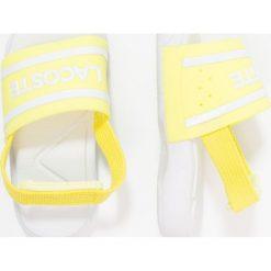 Lacoste Sandały kąpielowe yellow/white. Czarne sandały chłopięce marki Lacoste, z dżerseju. Za 129,00 zł.