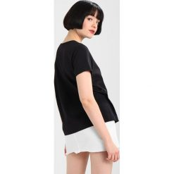 T-shirty damskie: Champion Reverse Weave CLASSIC SMALL LOGO Tshirt basic black