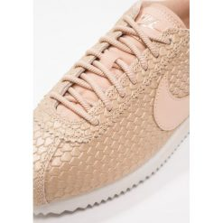 Trampki damskie slip on: Nike Sportswear CLASSIC CORTEZ SE Tenisówki i Trampki blur/bio beige/light orewood brown