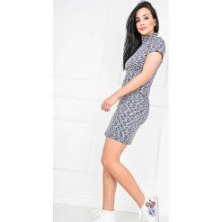 Sukienki: Melanżowa sukienka z krótkim rękawkiem
