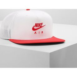 Czapki damskie: Nike Sportswear PRO AIR Czapka z daszkiem white/university red/black/university red