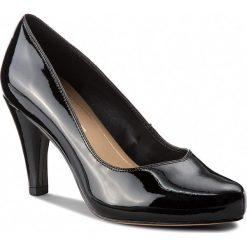 Półbuty CLARKS - Dalia Rose 261385674 Black Patent. Czarne półbuty damskie lakierowane Clarks, z lakierowanej skóry, na obcasie. W wyprzedaży za 279,00 zł.