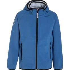 Mikkline SOLID Kurtka Softshell delft blue. Niebieskie kurtki chłopięce sportowe marki bonprix, z kapturem. W wyprzedaży za 215,20 zł.