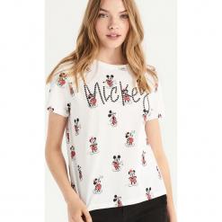 T-shirt Mickey Mouse - Biały. Białe t-shirty damskie Sinsay, l, z motywem z bajki. Za 39,99 zł.