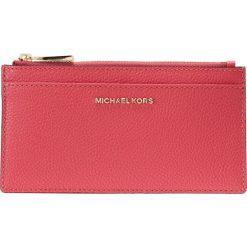 MICHAEL Michael Kors MONEY PIECES SLIM CARD CASE Portfel rose pink. Czerwone portfele damskie marki MICHAEL Michael Kors. Za 359,00 zł.