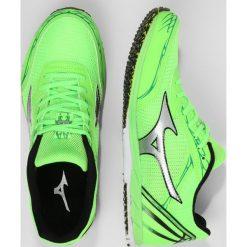 Buty sportowe damskie: Mizuno WAVE EKIDEN 11 Obuwie do biegania startowe green geck/silver/bright green